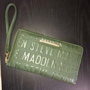 NWOT Steve Madden wristlet wallet